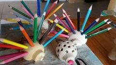 Un Hérisson porte crayons de couleurs