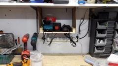 Rangement chargeur batteries perceuse-visseuse a choc