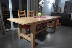 Table de salle-à-manger