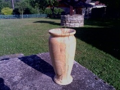 Vase en hêtre échauffé