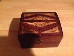 Petite boîte en marqueterie