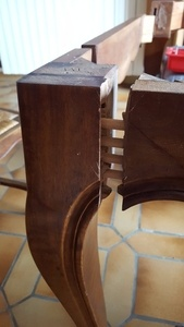 Réparation d'une table de salle à manger
