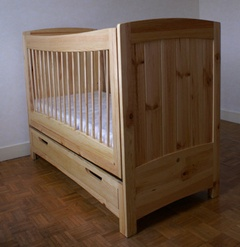 Lit de bébé à bascule avec tiroir