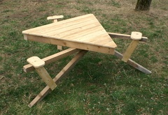 Table de jardin bigresque