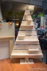 Un sapin de Noël en bois
