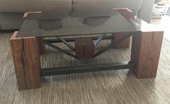 Table basse - Poutre chêne massif et acier