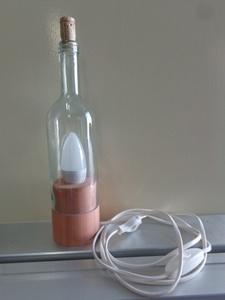 Lampe de table à partir d'une bouteille