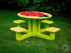 Table coccinelle pour enfants