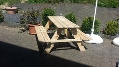 Restauration d'une vieille petite table de jardin