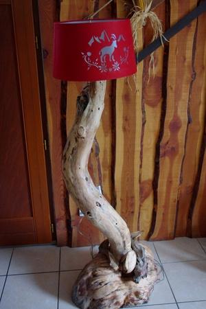 Lampe de salon avec racine