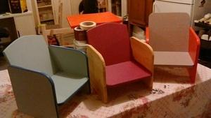 Série de petits fauteuil bois pour enfants