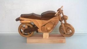 Moto en bois jouets deco
