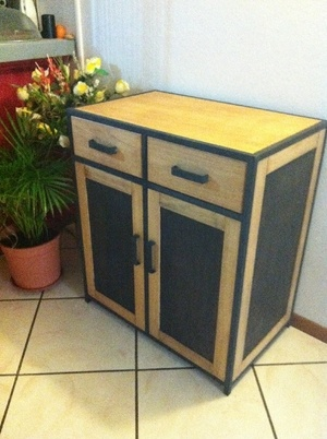 Commode en bois metal