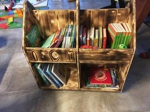 Chariot à livres pour enfant