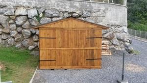 Abri de jardin en bois de palettes recyclées
