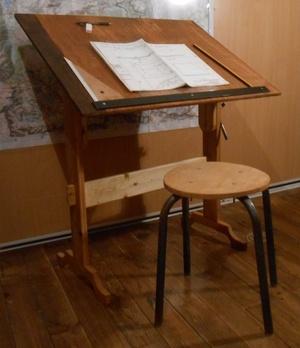 Une table à dessin