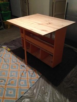Table avec plateaux dépliant