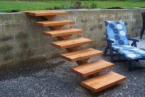Petit escalier de jardin
