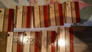 Porte clés custom made pour hôtel en bois exotique,  gravure laser