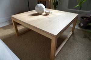 Table basse en châtaignier