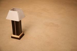 Lampe de chevet de créateur en Wengé massif