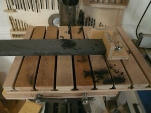 Petite table vite fait pour perceuse à colonne