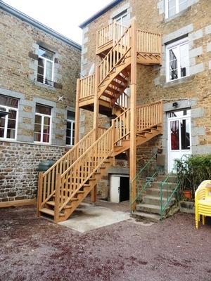 Escalier extérieur en assaméla