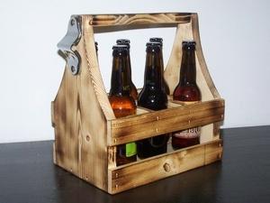 Caisse à bières avec décapsuleur
