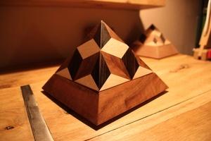 Boite à bijoux pyramide 4 faces