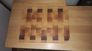 Planche à découper bois debout