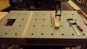 Table polyvalente et serre joint maison
