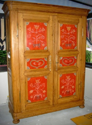 Restauration d'une armoir en sapin