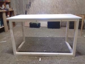 Petit bureau tout simple