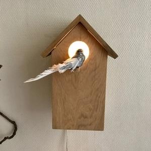 Lampe veilleuse en forme de nichoir