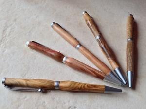 Une poignée de stylos