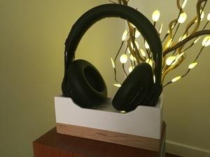 Support de casque Bluetooth avec station de charge intégrée