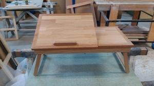 Petite table pour le pc