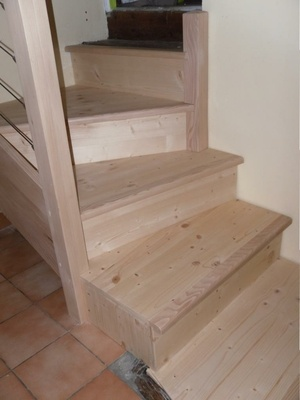 Escalier et porte de placard