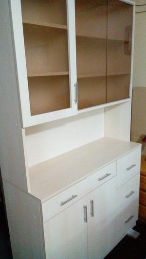 Realisation d un meuble de cuisine en melamine classique