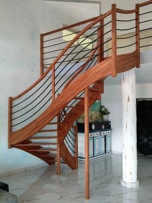 Escalier 2 quart tournant
