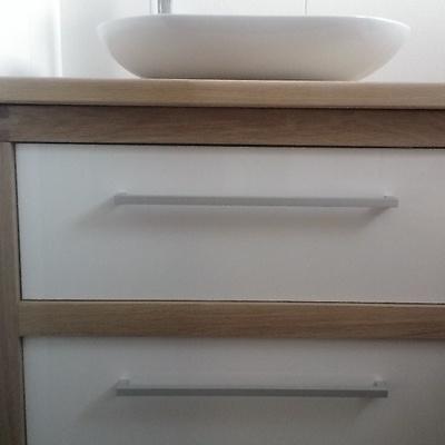 meuble salle de bains ch ne et panneau acrylique par peco. Black Bedroom Furniture Sets. Home Design Ideas