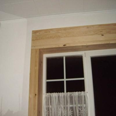 contour de fen tre par silvestre sur l 39 air du bois. Black Bedroom Furniture Sets. Home Design Ideas
