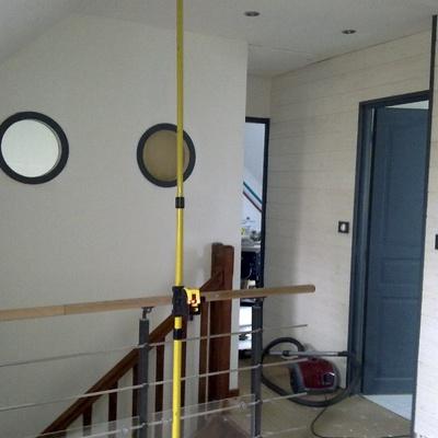 pas pas bureau suspendu pr paration de la structure par nizia sur l 39 air du bois. Black Bedroom Furniture Sets. Home Design Ideas