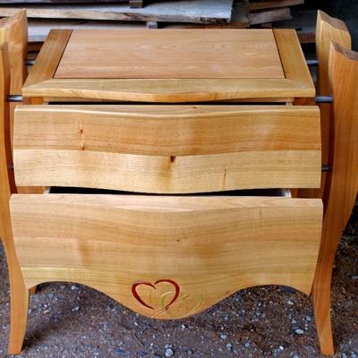 commode revisit e avec pieds et tiroirs galb s par marc73 sur l 39 air du bois. Black Bedroom Furniture Sets. Home Design Ideas