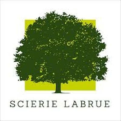 Scierie locale située à la limite Lot-Corrèze. Douglas, Chêne, Châtaignier de nos forêts. Responsables très sympathiques et prix intéressants.