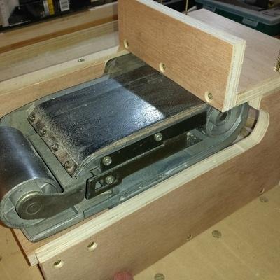 Support pour ponceuse bande makita par standard2 sur l 39 air du bois - Support pour couper du bois ...