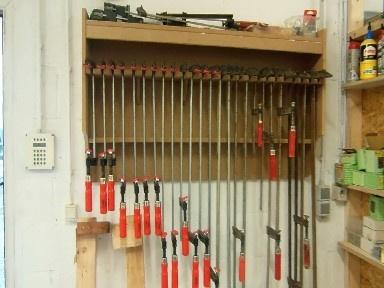rack de rangement pour serre joint par amiducheval sur l 39 air du bois. Black Bedroom Furniture Sets. Home Design Ideas