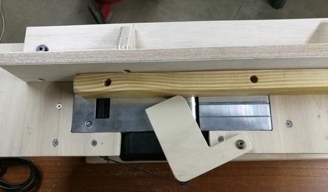 Fabrication d 39 un meuble pour rabot lectrique par - Rabot a bois electrique ...