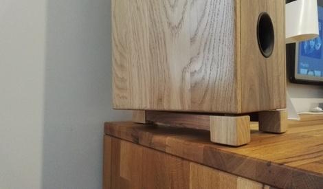 pieds d 39 enceintes par nico39 sur l 39 air du bois. Black Bedroom Furniture Sets. Home Design Ideas