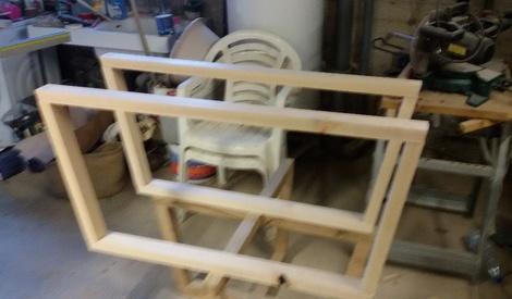 Meuble tv etagere verre par step sur l 39 air du bois for Assembler un meuble en bois